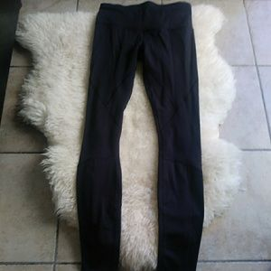Lululemon women's leggings. Size 6